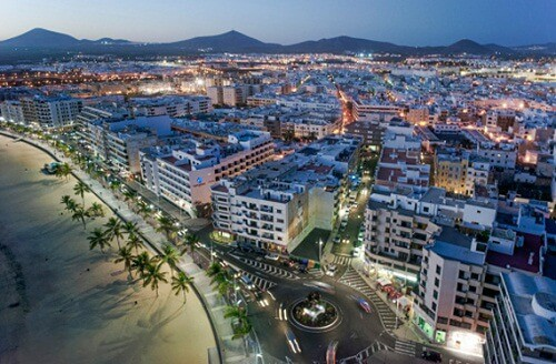 8 TIPS TO ENJOY THE NIGHTLIFE IN LANZAROTE