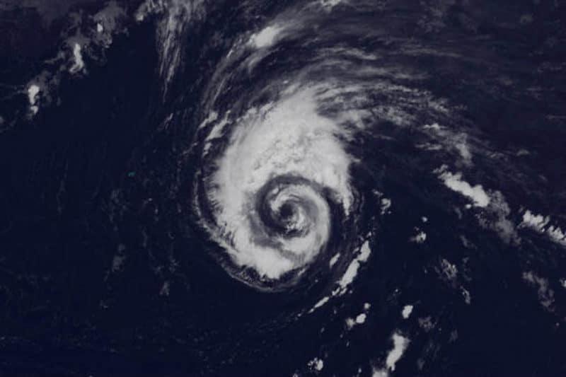 Huracan Leslie amenaza Lanzarote