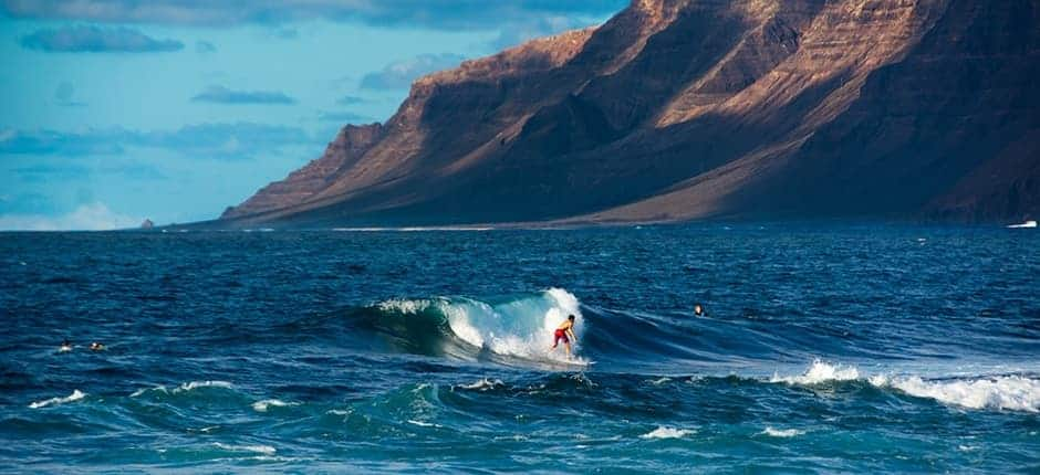 Tips for surfing in Lanzarote Island